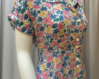 Pretty 1940's Viscose Country Garden Floral Tea Dress  Label : Hillora.