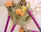 Rustic Romance. Set of 4 Golden Accent Flower and Button Pens.