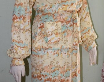 """10/12, Groovy graphic matching top and skirt, vintage 1970's , 35"""" waist"""