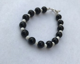 Black and White Beaded Bracelet