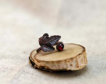 Red Garnet Ring with ivy leaf, copper electroformed, 16,0-17,5 mm, Adjustable Ring