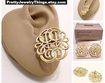 Avon Open Filigree Scroll Discs Clip On Earrings Gold Tone Vintage 1989 Signature Style Decorative Swirl Ribs Big Discs