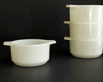 VIntage Dynaware PYR-O-REY Individual Casserole Dishes Milk Glass Style Soup Crocks set of Four (4)