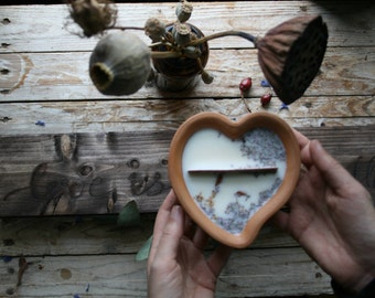 Heart shaped earthenware pot candle-heart shape-Valentine's Day-vegan-essential oils-natural-mimiwild