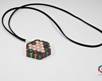 Tala | Necklace from colored pencils | hexagonal