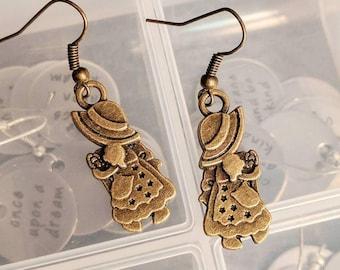 Bronze Holly Hobby Earrings