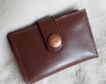 Worn case - man chocolate brown leather cards