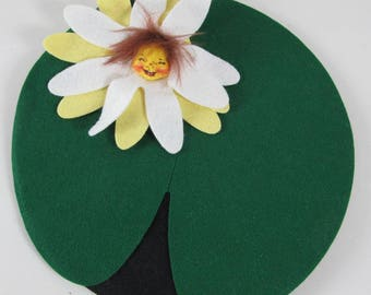 """Annalee Doll 1847 Lilly Pad Flowering w/ Face 8"""" Dia 1996 Org. Bag"""