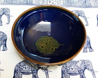 Porcelain blue bodhi leaf bowl