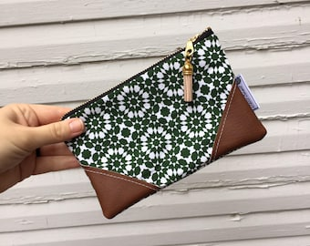 Green Starburst Mini Tassel Zipper Clutch