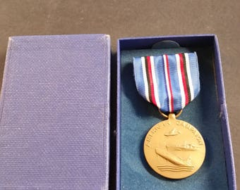 WW II American Campaign Medal In Original Box Made By Heckethorn Mfg. & Supply