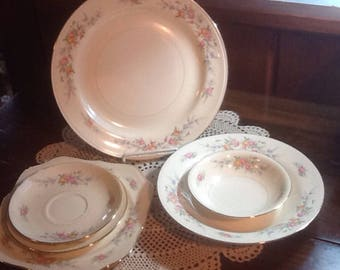 Vintage, Homer Laughlin, Ferndale, Eggshell Nautilus, 7 piece settings, plates and bowls, country, cottage, mismatch, Cashmere