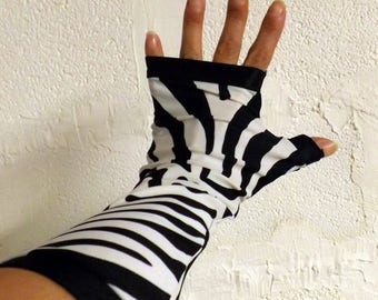 "Fingerless mittens ""Manolo"" Zebra and black"