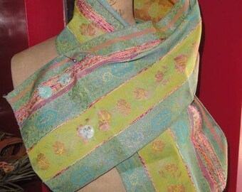 "Resin ""Brocade of formerly"" scarf with buttons"