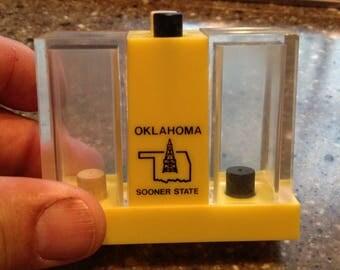 Vintage PLASTIC Salt Pepper Shaker Combo Push Button Oklahoma SOONER