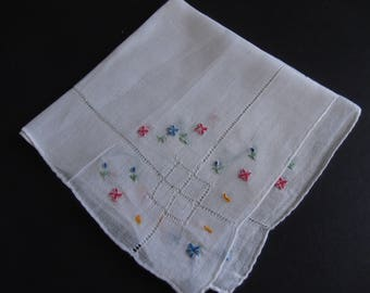 Retro Hand Embroidery Vintage Hankie Shabby Chic 1950's Estate Sale