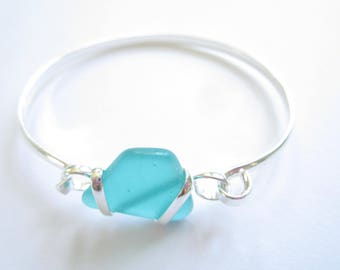 Silver Plated Bangle with Emerald Green Sea Glass Piece-Sea Glass Bracelet-Beach Glass Bangle-Beach Glass Jewelry-Sea Glass Jewelry-Bracelet