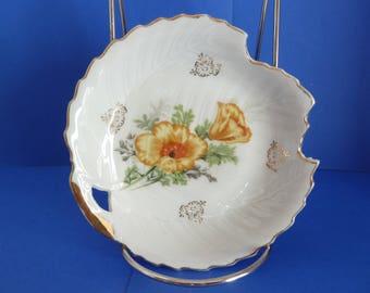 Leaf Shape Trinket Dish, W / Keyhole Handle