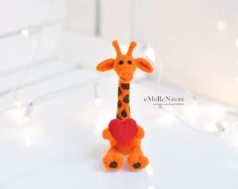 Felt Giraffe Sculpture - Needle Felted Giraffe - Needle Felted Animal - Soft Sculpture - Felt Animal - Wool - Giraffe Decor - African Décor