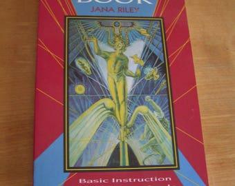 Vintage The Tarot Book by Jana Riley, 1992