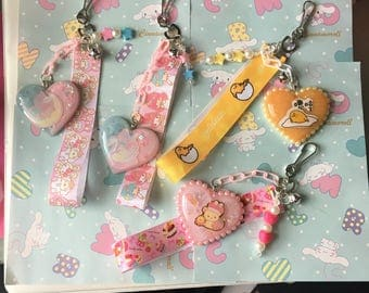 keychains with resin hearts