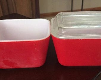 Vintage Pyrex Set of 2 RED Rectangle Ovenware Refrigerator Dishes. ID# 17-37