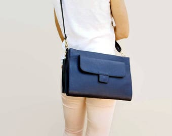 Clutch leather bag for her birthday. Cross shoulder purse Italian Shop. Small blue purse for any occasion. Top gifts for 2017 graduation.
