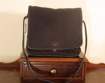 Spring Sale Coach Messenger Laptop Bag In Nylon And Black Leather Trim With Silver Tone Hardware Style No 5109- VGC