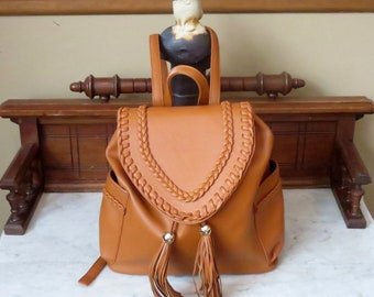 Vintage Caramel Pebbled Leather Backpack With Gold Tone Hardware - EUC
