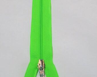 Zipper neon green 25 cm spiral