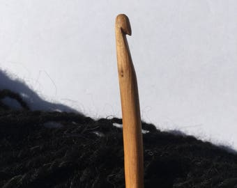 Hand Carved Crochet Hook - Size H (US)