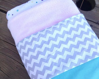 Fleece baby blanket for strolling or Tweet down