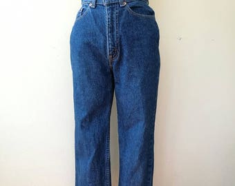 Vintage Levi's high waist dark blue jeans