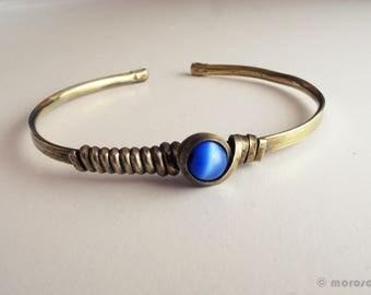 Ethnic bracelet - brass patina - electric blue - vintage