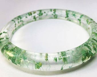 Natural wild flowers in eco UV resistant, non-toxic resin.