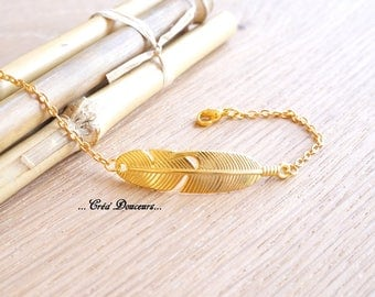 Gold metal feather bracelet Boho Chic gold
