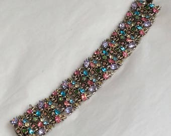 Fabulous Hollycraft bracelet - signed and date stamped - pastels