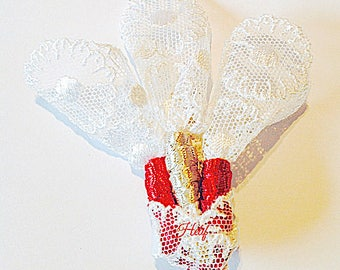 Lace and satin, white and red, Edelweiss brooch