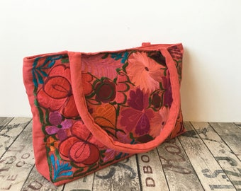 PiNK SALMoN EMBROIDERED MEXICAN BAG, made in Chiapas