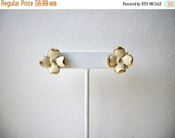 ON SALE Vintage 1950s Floral Enameled Earrings 51117