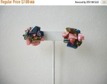 ON SALE Vintage 1940s JAPAN Shell Cluster Clip On Earrings 72517
