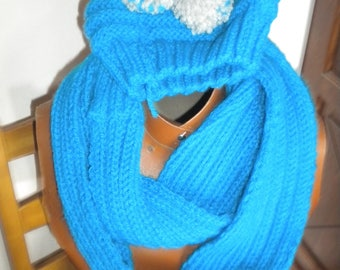 katia wool closed neck scarf and hat set