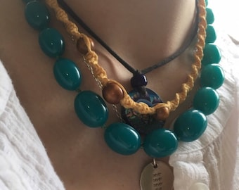Vintage 1980s sweet teal costume jewelry necklace