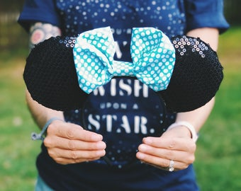 Classic Minnie Mouse with Teal Bow