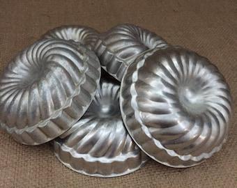 Vintage Mini Molds--Mini Bundt Pans--Set of 5 Mini Metal Molds--Swirl Mini Molds--Mini Cake Pans