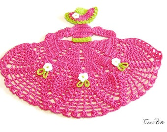Hot Pink and Green crochet crinoline lady doily, centrino rosa scuro e verde a forma di dama all'uncinetto