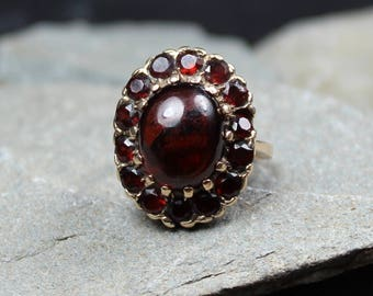 Vintage 1960's 9CT Gold Garnet Cluster Ring