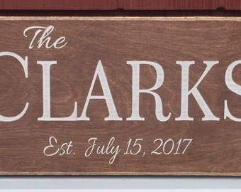 """Last Name Sign, Rustic Wood Sign, Family Name Sign, Sign with Establishment Date, Personalized Sign, Family Gift, Anniversary Gift, 8""""x16"""""""