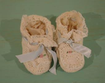Baby Booties Crochet Booties Baby Christening Booties Vintage Baby Baptism Booties Vintage Baby Clothing  Nursery Decor Baby's Room Decor