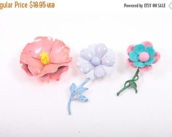 Enamel Flower Pin Lot, Brooch, Flowers, Floral, 1960s, 60s, Spring, Easter, Pastels ~ Boom Thang Vintage ~ 161230